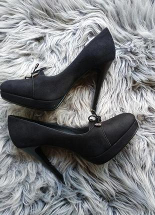 Очень красивые и стильные туфли