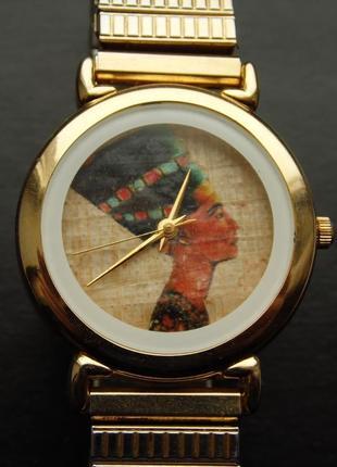 Нефертити часы из сша браслет twist-o-flex на большую руку
