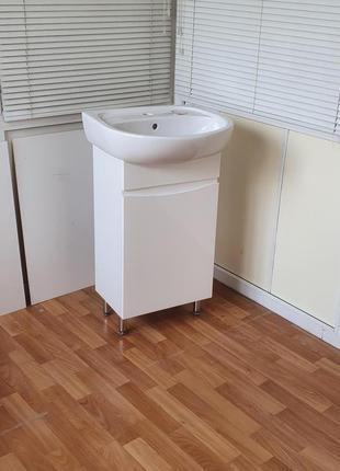 Мебель в ванную комнату тумба с умывальником Solo 50  Colombo