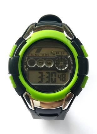 Спортивные мужские часы секундомер будильник подсветка