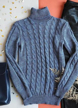 Фирменный полушерстяной свитер