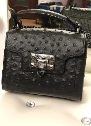 Вместительная маленькая сумочка (натур.кожа, италия)