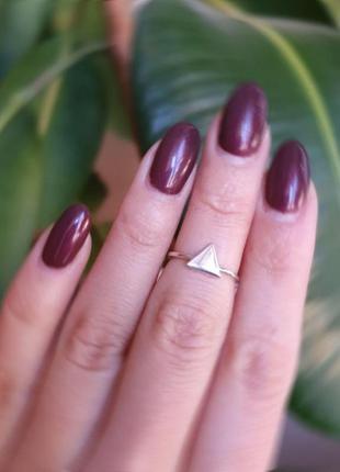 Кольцо серебро 925 на фалангу треугольник вс115