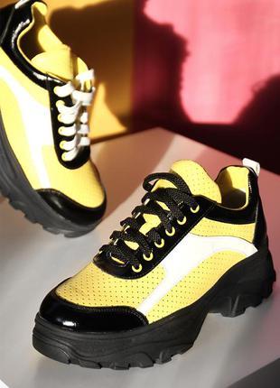 Желтые разноцветные кожаные женские дышащее кроссовки с перфор...