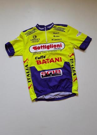 Спортивная футболка для велоспорта