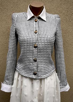 Белый в черную клетку твидовый жакет(пиджак)блейзер в стиле ша...