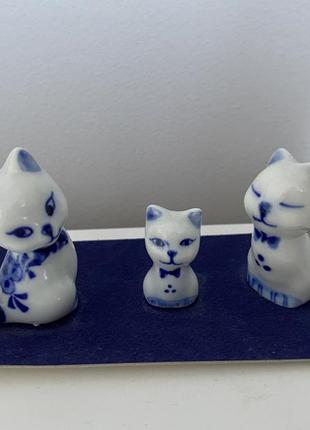 Статуэтка коты гжель