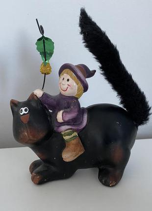 Статуэтка кот и ведьмочка