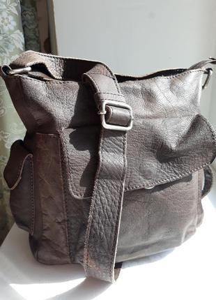 Кожаная сумка кроссбоди.