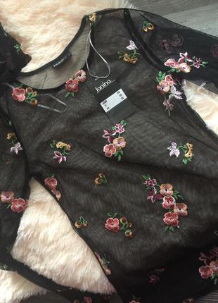 Блузка сетка с вышивкой. новая. размер xs-s. janina.