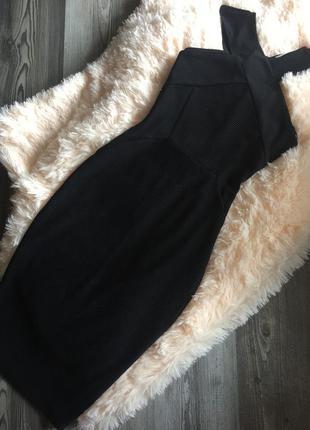 Платье по фигуре чёрное. новое. размер s. oasis.