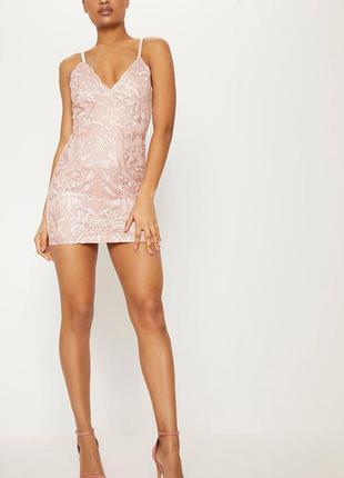 Облегающее платье с кружевной вышивкой. новое с биркой. размер...