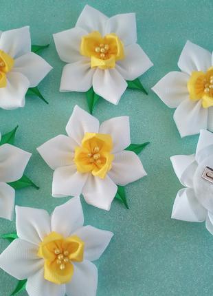 Цветы (нарциссы) ручной работы