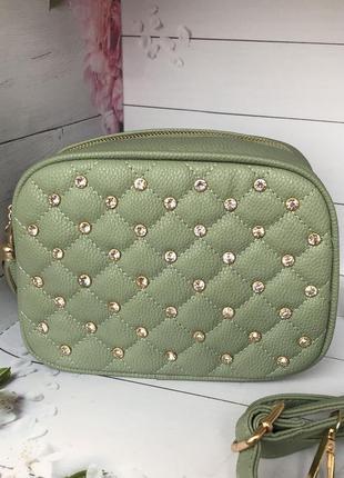 Стильная женская сумочка не большого размера в зеленом цвете к...