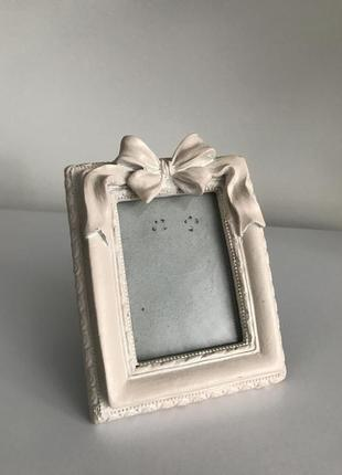 Маленькая фото рамка, белая рамка.