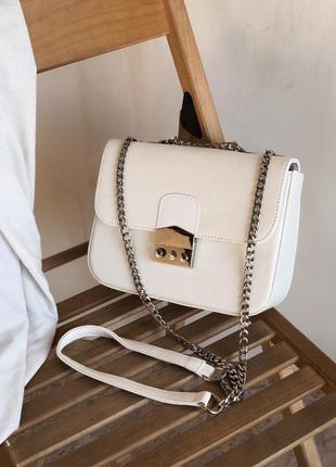 Белый клатч сумка