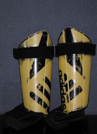 Щитки adidas