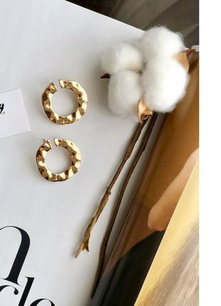 Серьги кольца круглые геометрические золотые золотистые в пода...