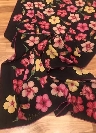 Шарф-шаль-палантин fabric frontline zurich в цветочный принт.