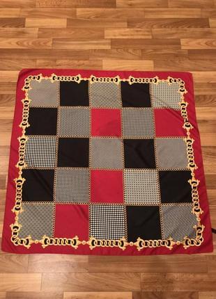 Платок в квадраты в стиле chanel
