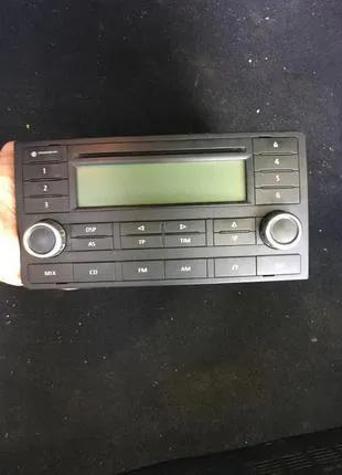 Продам оригинальную магнитолу на VW T5