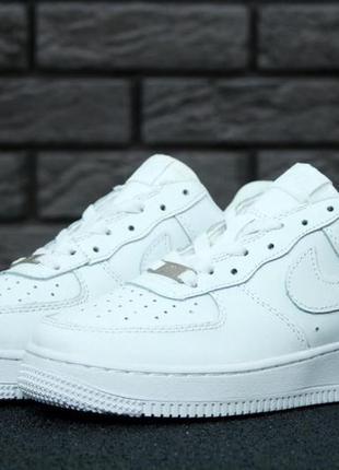 Стильные кожаные женские кроссовки nike air force белый цвет (...