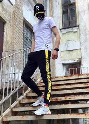 Спортивные штаны в стиле Off White