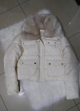 Новая курточка молочного цвета