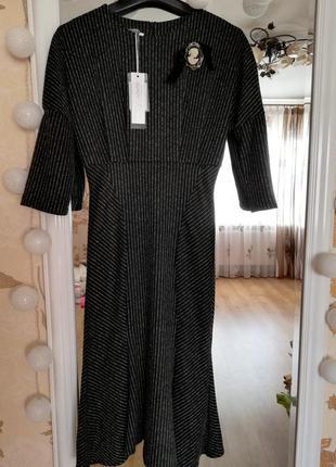 Тёплое платье с брошью италия rinascimento