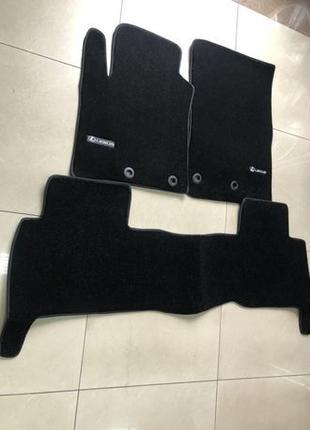 Новые оригинальные коврики на Lexus LX570 LX470