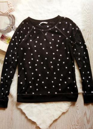 Черный мягкий свитшот джемпер с белыми звездочками на манжетах...