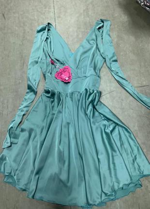 Платье под шёлк из легкого атласа выпускное вечернее