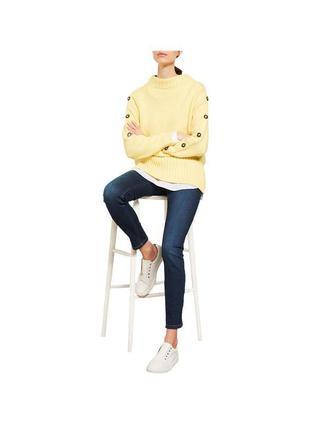 Сочный свитерок с горлом с пуговицами на рукавах mint velvet
