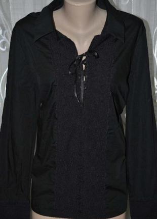 Шикарная, стильная рубашка в черном цвете с кружевным декольте.