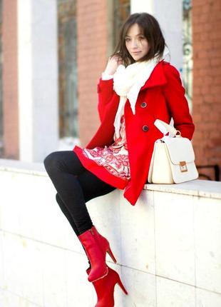 Красивое полу-пальто !!!