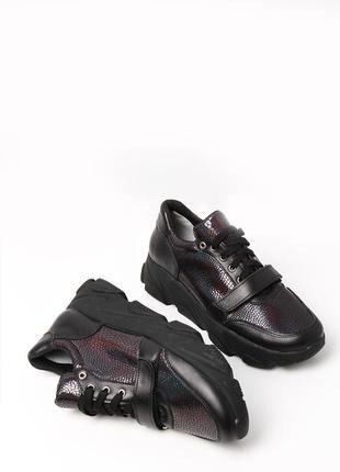 Женские кожаные кроссовки туфли на шнурках рептилия толстая по...