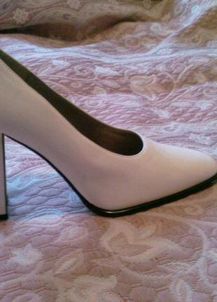 Женские белые туфли, красивые, новые