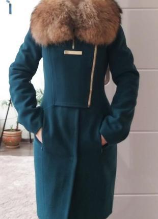 S Шикарное пальто с натуральным мехом