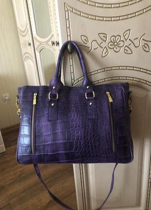 Большущая кожаная сумка, натуральная кожа, формат а4, фиолетов...