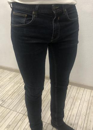 Темно-синие джинсы zara