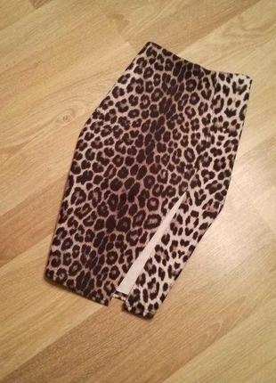 Леопардовая юбка миди карандаш с разрезом в принт