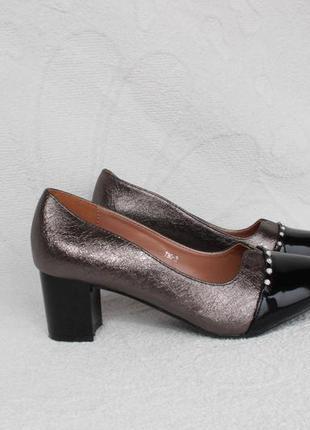 Туфли 37, 38, 39 размера на устойчивом каблуке