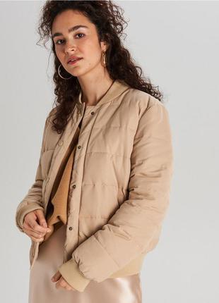 Классная куртка бежевый бомбер демисезон