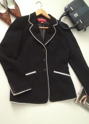 Оригинальный приталенный пиджак из костюмной ткани.003