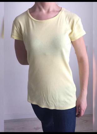 Футболка, однотонная футболка, светло желтая футболка.