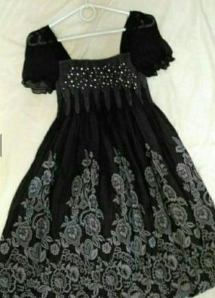 Воздушное, лёгкое, летнее платье-балон чёрного цвета с цветочн...