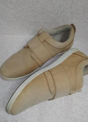 Кожаные спортивные туфли кроссовки 40р.