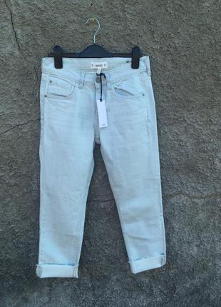 Прямые джинсы mango светлые бойфренд