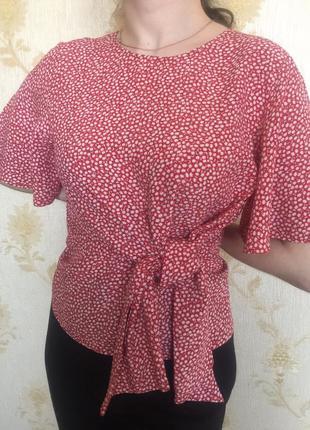 Блуза из вискозы с драпировкой и завязками