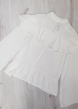 Белая блуза с воланом,блуза с воланом
